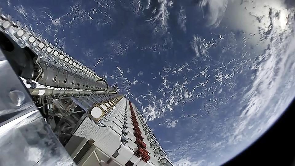 Miercuri la ora locală 21:25, Spacex a lansat în spațiu o altă tranșă desateliți din proiectul STARLINK